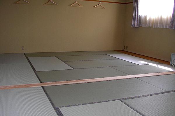 20畳和室